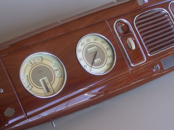 938 Ford Passenger Car Dash in '39 Walnut